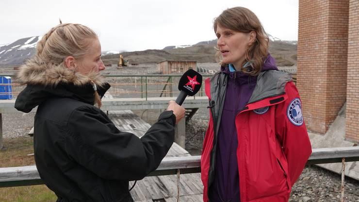 In der Arktis zu leben ist nicht immer ganz einfach. Die Einwohnerin Marta lebt seit vier Jahren dort und erzählte mir, wie es sich anfühlt, wenn die Sonne für mehrere Monate nicht mehr scheint.