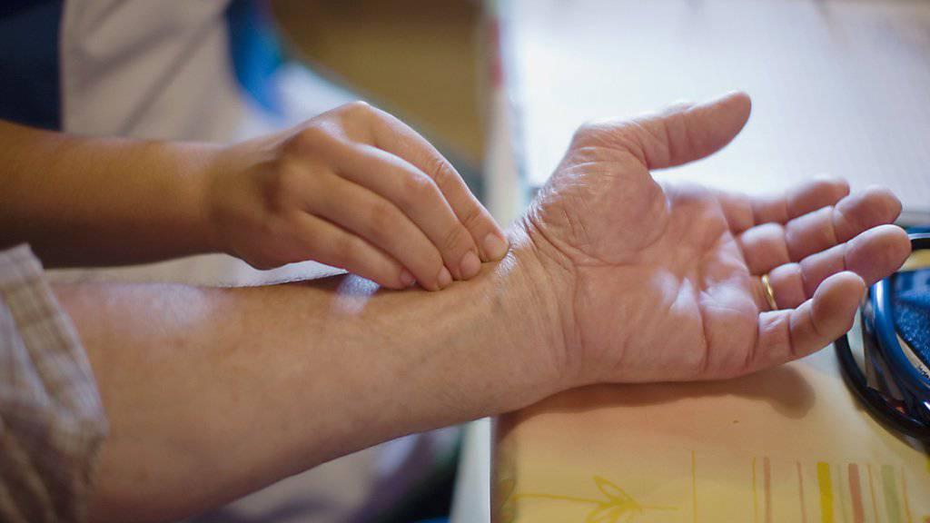 In Deutschland ist ein Betrugsfall bei ambulanten Pflegediensten aufgeflogen: Diese sollen die Sozialversicherungen um mehrere Millionen betrogen haben. (Symbolbild)