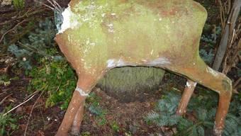 Alle drei der Skulpturen wurden beschädigt wieder gefunden.