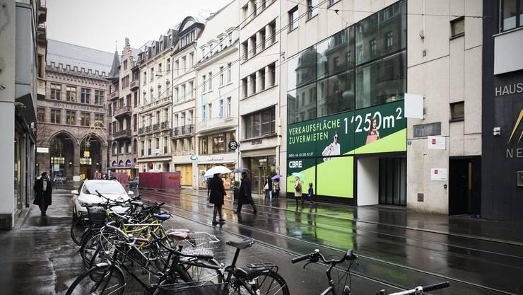 Der grösste Buchladen Basels ist Geschichte.