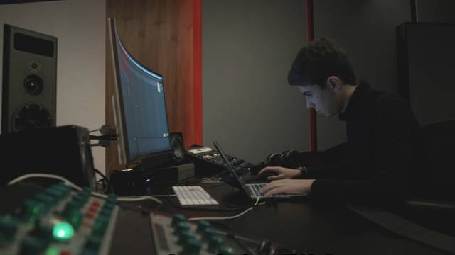 Federico Gardenghi ist 14 (!) Jahre alt und nimmt gerade seine erste Platte auf