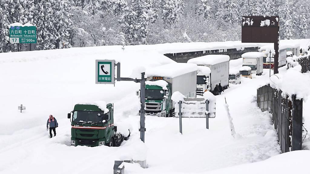 Schneefälle haben Japan weiter im Griff – Mehr als ein Dutzend Tote