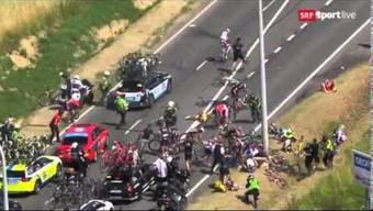 Horror: Der Sturz von Fabian Cancellara an der Tour de France.