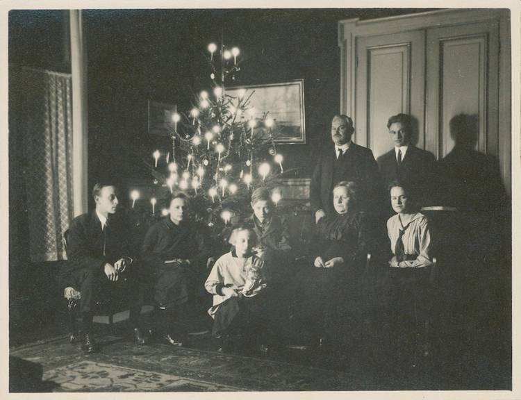 Ein Bild der Familie Schlaepfer des Jahres 1921. (Bild: 1921)