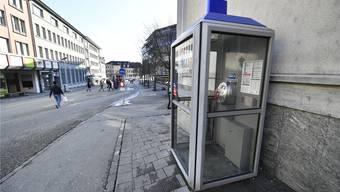 Das Publifon, die Tobtel-Kabine an der Centralstrasse bei der Post, soll Ende März ausser Betrieb genommen werden, wenn es nach der Swisscom geht.