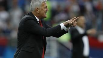 Klare Anweisungen: Vladimir Petkovic coacht sein Team zum wichtigen Sieg gegen Serbien