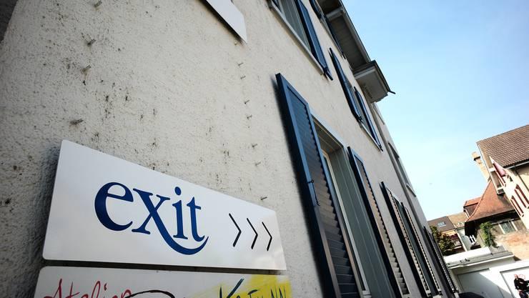 Exit hat eine Geschäftsstelle in einem Hinterhof an der Binninger Hauptstrasse.