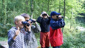 Kinderferienpass in Kleinlützel: Diese Kinder sind mit Jägern unterwegs.