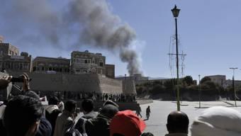 Das Verteidigungsministerium in Sanaa stand in Flammen
