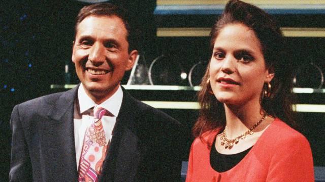 Beni Thurnheer und seine Assistentin Tanja Temel in der ersten «Benissimo»-Sendung im Schweizer Fernsehen am 21. März 1992. Keystone