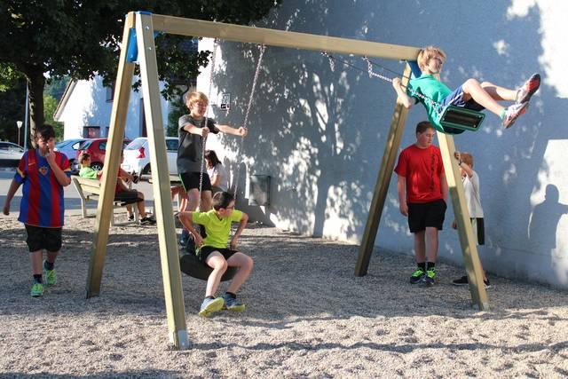 Spielplatz-Eröffnung in Mandach
