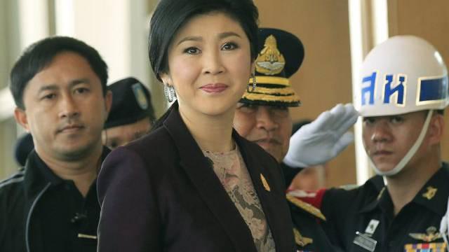 Die Opposition verlangt den Rücktritt von Yingluck Shinawatra
