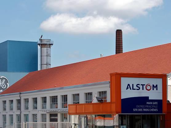 Alstom- und General-Electric-Fabriken im französischen Belfort: 2015 musste GE die französischen und europäischen Behörden in einer Anhörung davon überzeugen, dass die Übernahme zu genehmigen ist (Archivbild)