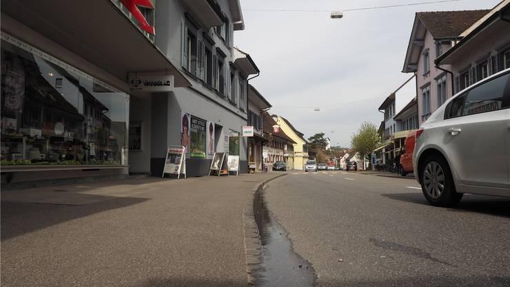 Mit Tempo 30 durchs Dorf? Die Meinungen zu Tempo 30 auf Kantonsstrassen gehen weit auseinander. Archiv