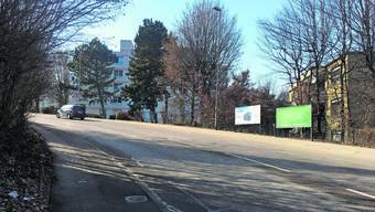 Hier soll eine rund 80 Meter lange Lärmschutzwand die Anwohner vor dem Treiben auf der Kesslerstrasse Schützen.