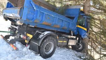 Lastwagen in Chur verunfallt (Februar 2019)
