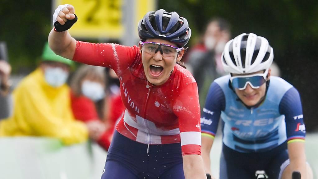 Elise Chabbey gewann in Frauenfeld die 1. Etappe der Tour de Suisse Women, die Swiss Cycling in Zukunft um mehrere Tage verlängern will.