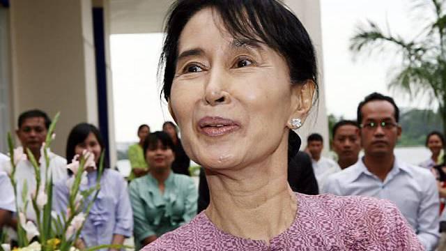 Aung San Suu Kyi wehrt sich gegen Hausarrest (Archiv)