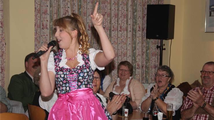 Grosses Auftaktfest des Clubs mit Sängerin Michelle Ryser.