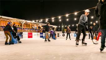 Das Eisfeld wird – wie hier 2018 – rege besucht. Neu gibt es ein Stübli, das auch für Anlässe reserviert werden kann.Bild: Sandra Ardizzone