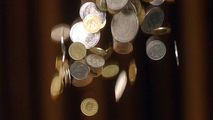 Mehr Geld fällt auch künftig nicht automatisch in die Lohntüte bernischer Angestellter. Hanspeter Bärtschi