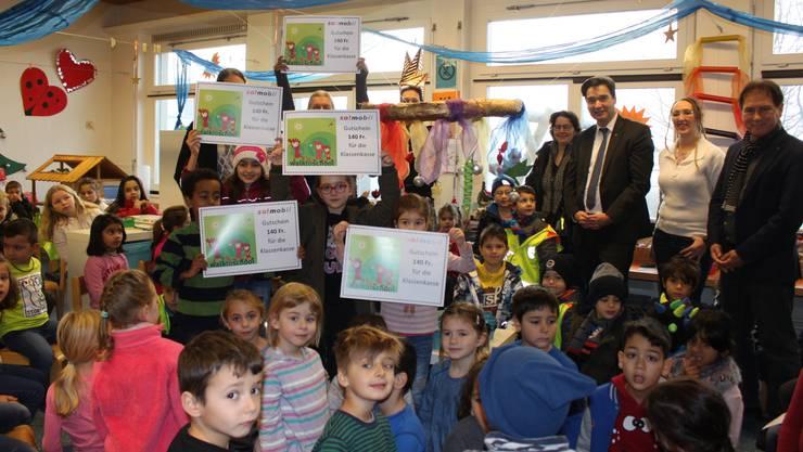 Viele Grenchner Kinder sprechen zu Hause nicht deutsch. Das Bild zeigt Kinder aus dem Schulkreis Kastels anlässlich der letzten Preisübergabe der Behörden zur Aktion «walk to school».