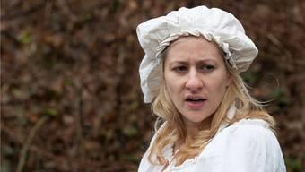 Als Elsi Achermann tritt die Schauspielerin Samia von Arx im Rahmen der Ausstellung «Frauen vor!» an verschiedenen Anlässen auf. alex spichale