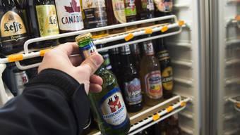 Das Nachtverkaufsverbot betrifft den Detailhandel mit Alkoholika