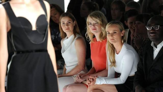 Bei Calvin Klein in der ersten Reihe: Amy Adams, Emma Stone und Diane Kruger (v. l.)