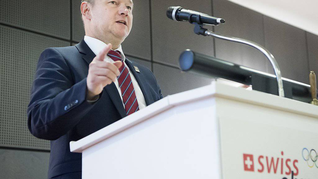 Ja zu Sion 2026: Jürg Stahl, Präsident von Swiss Olympic, verkündet den Entscheid für die Westschweizer Olympiakandidatur. (Archivbild)