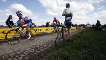 Jens Keukeleire , hier nach einem Defekt bei Paris - Roubaix, feiert an der Vuelta seinen bisher grössten Sieg.