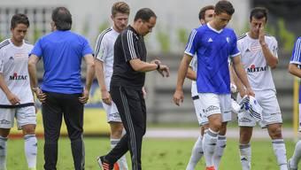 Die Uhr tickt: Trainer Francesco Gabriele muss mit dem FC Wohlen die Talfahrt möglichst schnell stoppen. Sonst ist er bereits gescheitert.