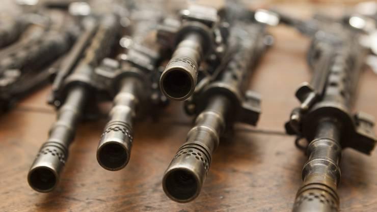 Der Schweizer Rüstungsindustrie soll nun doch nicht erlaubt werden, Kriegsmaterial in Länder mit internen Konflikten zu verkaufen.