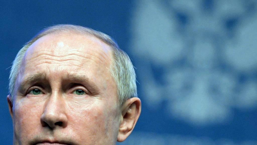 Putin will mit Verfassungsänderung Parlament mehr Macht geben