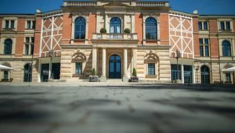 ARCHIV - Das Richard-Wagner-Festspielhaus in Bayreuth. (zu dpa «Bund gibt rund 85 Millionen für Bayreuther Festspielhaus?») Foto: Daniel Karmann/dpa