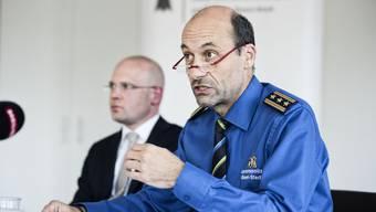 Sicherheitsdirektor Baschi Dürr (l.) hofft, dass unter Martin Roth wieder Ruhe ins Basler Polizeikorps einkehrt.