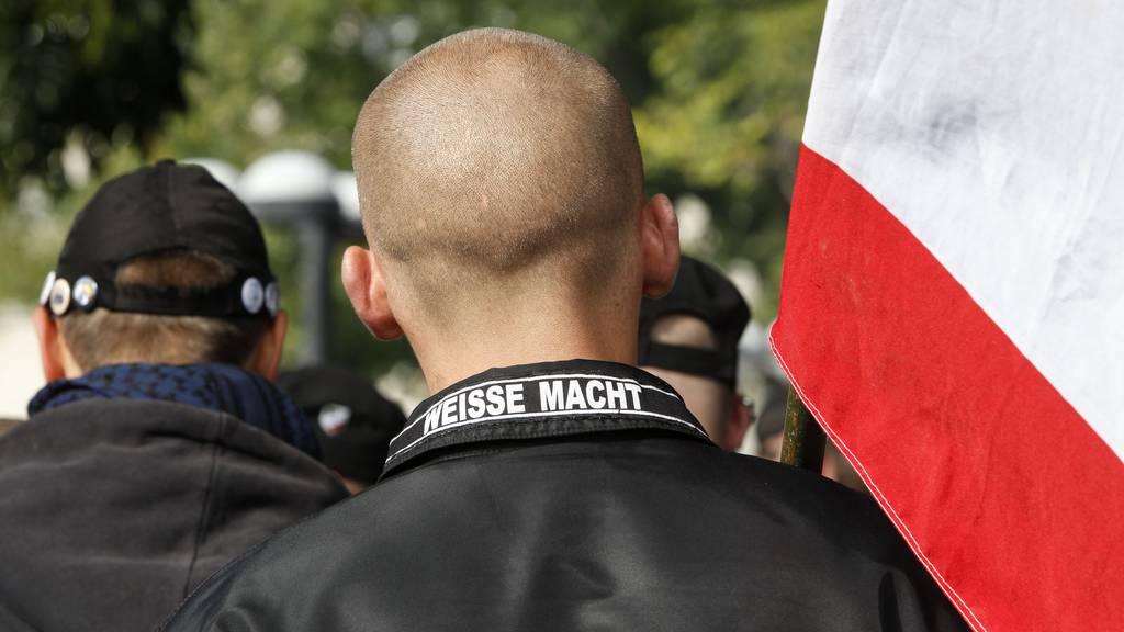 Polizei nimmt sechs Neonazis in Zürich und Luzern fest