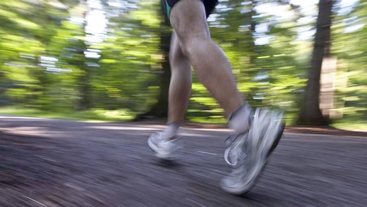 Wer sich fit hält und gesund ernährt, soll weniger Krankenkassenprämien bezahlen. (Symbolbild)