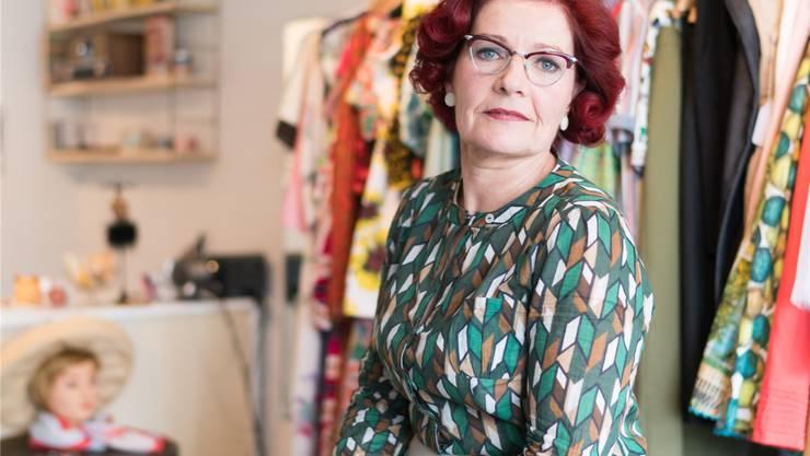 Jetzt kann sie hundert Kleider nähen: Britta Lüthi tut endlich das ...