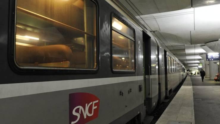 Die Regierung Macron will die Privilegien bei der Staatsbahn SNCF abschaffen. (Archivbild)