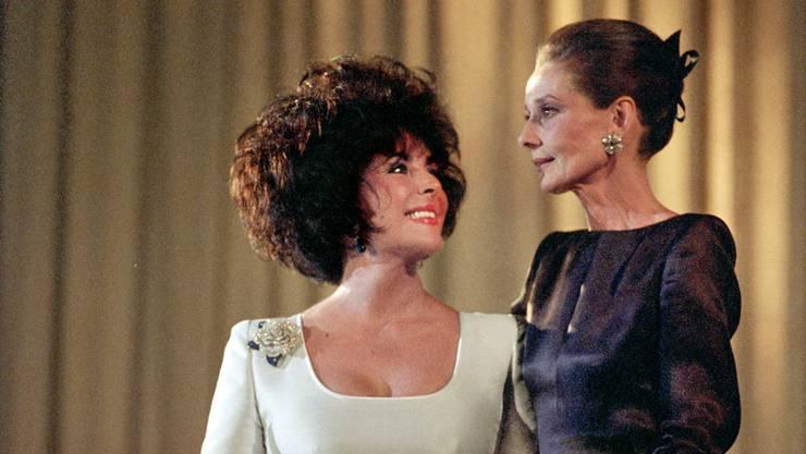 Sie waren schon da: Die Schauspielerinnen Elizabeth Taylor und Audrey Hepburn, 1991
