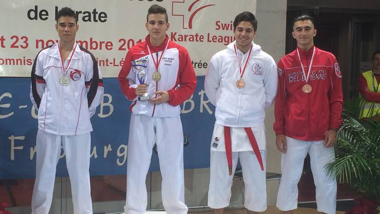 Maurice Rösch der  Doppel-Schweizermeister in Kata Herren U18 und Kumite Herren U18 -76kg darf zweimal zuoberst aufs Treppchen steigen.