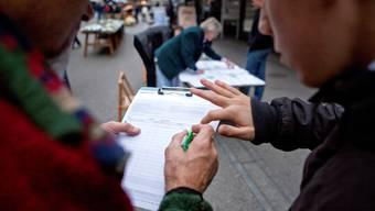 Das Referendumskomitee hat bisher 2408 Unterschriften gesammelt.  key