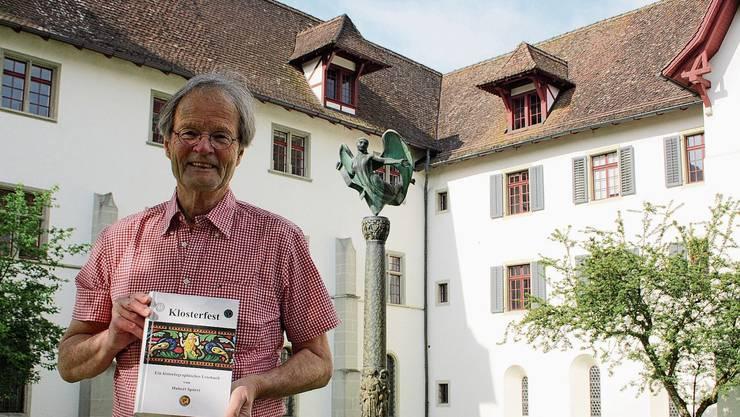 Als Elfjähriger verfolgte Hubert Spörri die Entstehung des Engeldenkmals zu Ehren von Alberik Zwyssig im Kloster Wettingen.