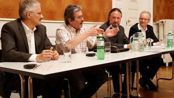 Podium im Museum Blumenstein zum Thema: Grossindustrie - Last oder Segen? v.l.: Lukas Stuber (COO Stahl Gerlafingen), Roberto Zanetti, Christoph Roelli (Moderation), Martin Blaser (GP Biberist)
