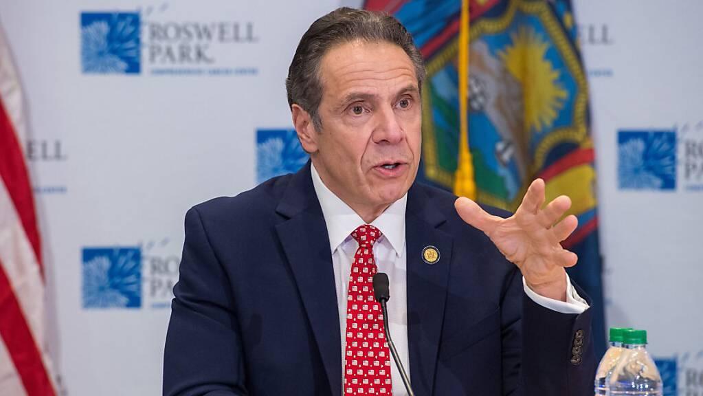 Zwei ehemalige Mitarbeiterinnen werfen New Yorks Gouverneur sexuelle Belästigung vor. (Archiv)