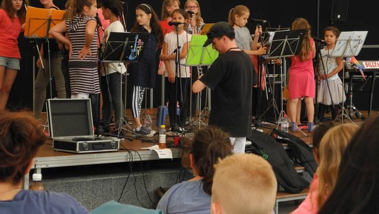 Die Singing Kids an der Kulturparty Geroldswil.