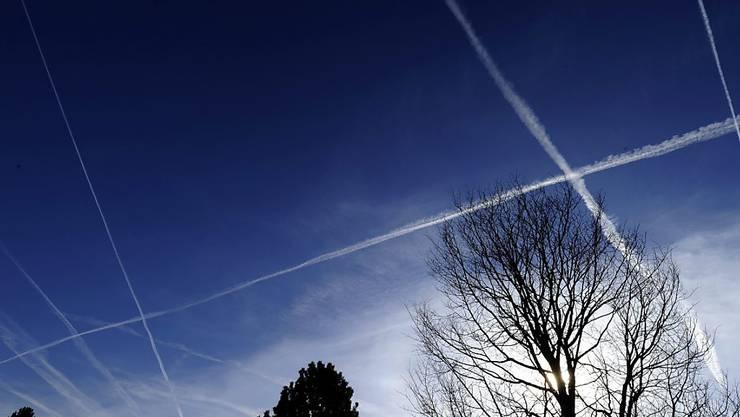 Eine Passagiermaschine der Fluggesellschaft Corsair hat über dem Raum Solothurn und Basel-Landschaft während 20 Minuten Kerosin abgelassen. (Symbolbild)