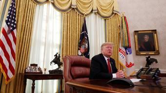Donald Trump im Oval Office des Weissen Hauses: Der US-Präsident führt einen Kleinkrieg gegen die amerikanische Notenbank.