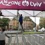 An der EM 2012 in der Ukraine feierten die Zuschauer in der Fanzone von Lwiw, nun musste die gesamte Mannschaft der Stadt wegen des Coronavirus unter Quarantäne gestellt werden